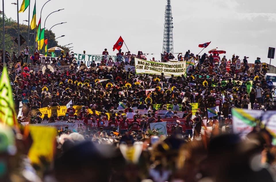 """""""Lucha por la Vida"""", la mayor movilización de la historia del movimiento indígena de Brasil"""